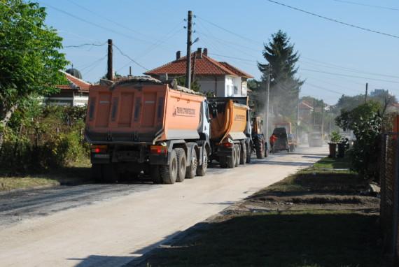 Започна плануваната рехабилитация на уличната мрежа в Генерал Тошево
