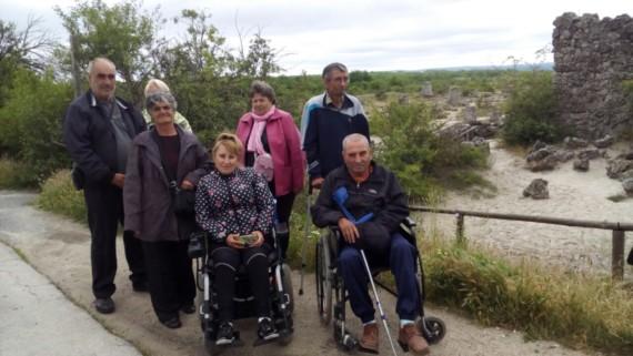 Потребители на социални услуги по проект посетиха Варна