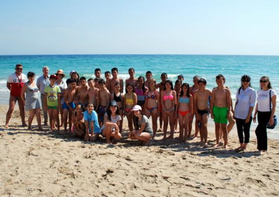 Безкраен плаж и морска синева радват децата в Шабла