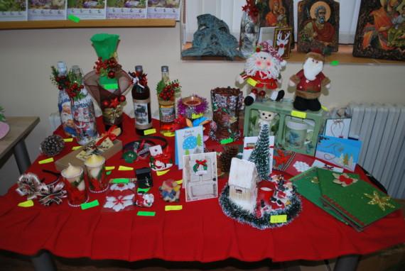 Благотворителният Коледен базар отвори врати